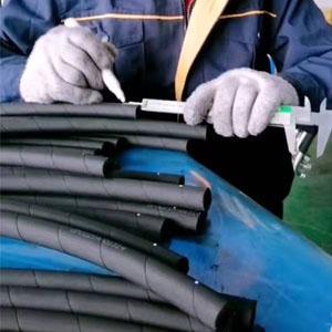 mūžīgi strādājošie pasūtījuma hidrauliskās šļūtenes caurule rūpnīcā